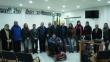 Na foto, integrantes do núcleo para formação e implementação do conselho municipal dos direitos da pessoa com deficiência de Rosário do Sul. Todos em pé. Pessoas com e sem deficiência compõe a imagem.